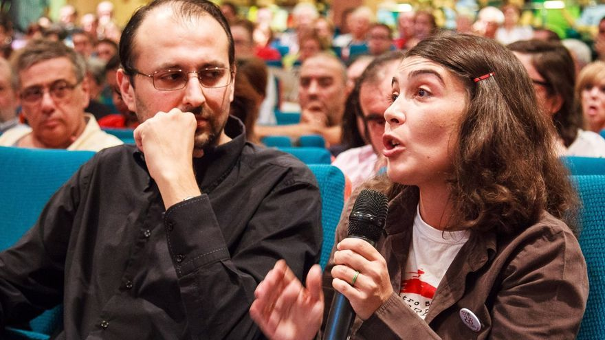Magdalena Martínez Bode en una asamblea de Ganar la Región de Murcia