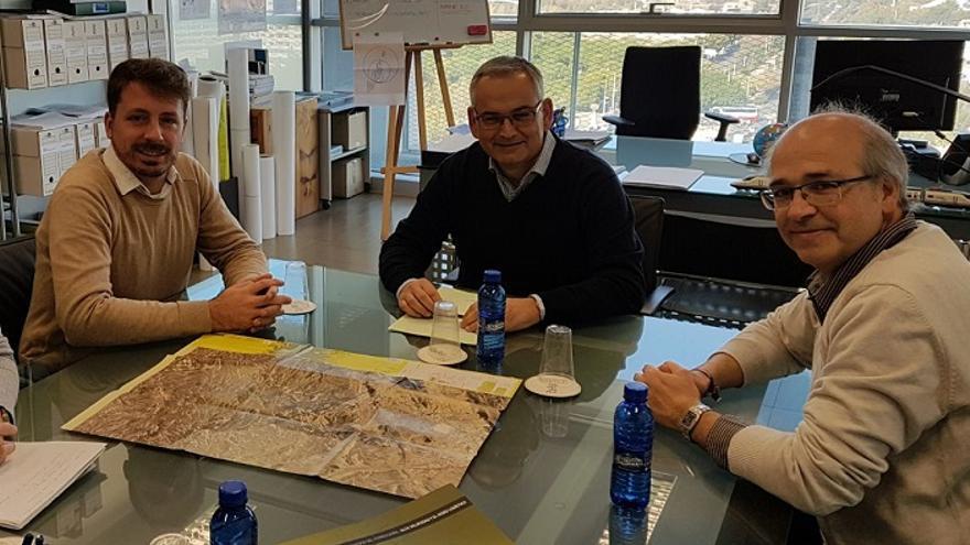 Els alcaldes han presentat la seua proposta al Secretari Autonòmic de Vertebració del Territori