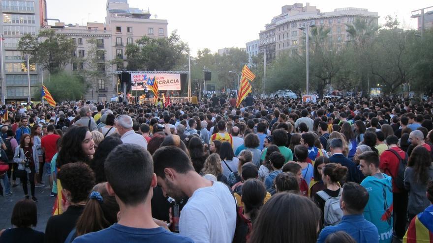 """La CUP acusa a Rajoy de """"maltratador"""" y llama a romper los precintos de los colegios"""