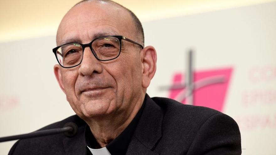 """Omella pide """"fraternidad, confianza y oración"""" en el primer domingo sin misas"""