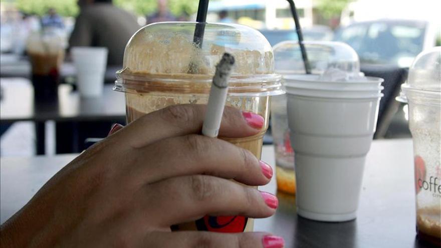 Fumar reduce a la mitad las posibilidades de gestación