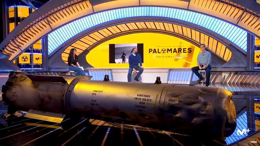 La bomba nuclear utilizada en el rodaje, idéntica a la que cayó sobre Palomares', en el plató desde el que se ha presentado
