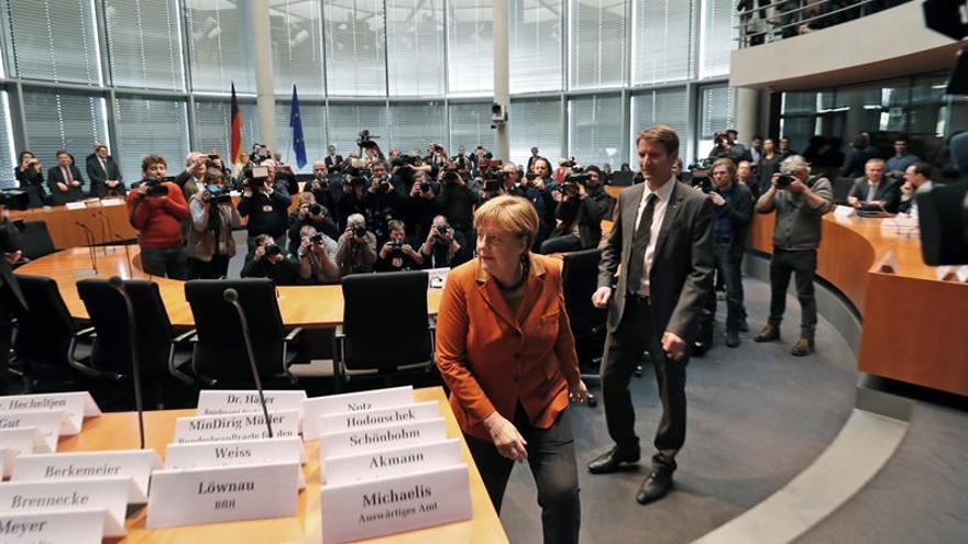 """Merkel rechaza el """"espionaje entre amigos"""" ante una comisión parlamentaria"""