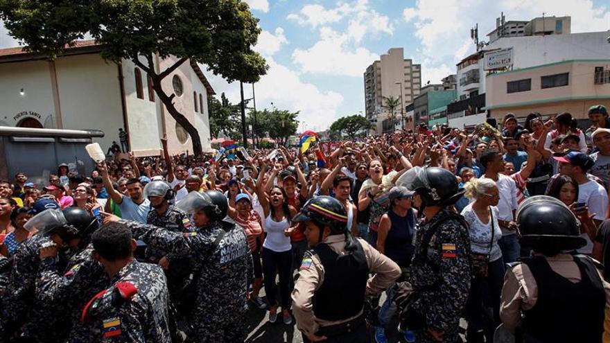 Grupo de chavista siembra pánico en la consulta al abrir fuego y matar una persona