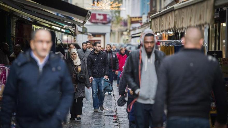 Bélgica busca a un terrorista que habría fabricado los cinturones explosivos de París