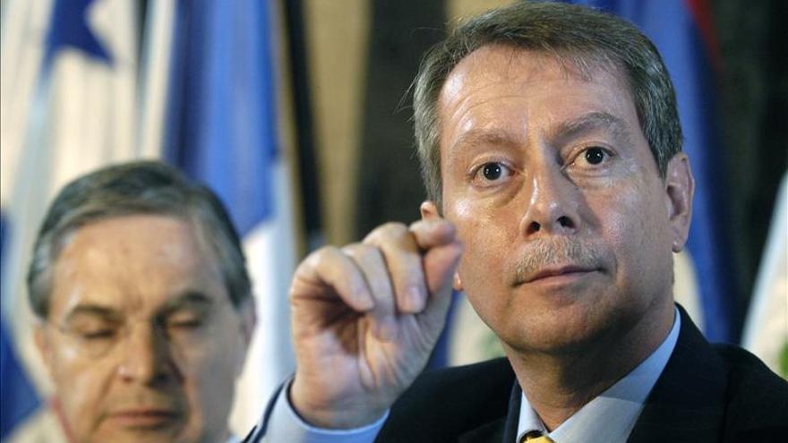 """Guatemala ofrece """"reglas claras"""" a inversores españoles"""