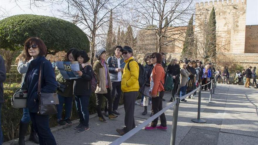 Granada logra los mejores registros turísticos estivales de su historia