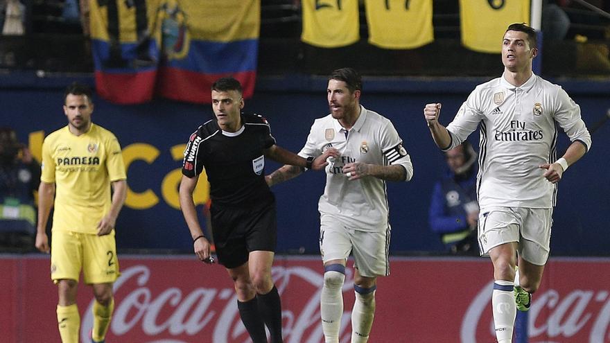 Cristiano Ronaldo logró el gol después de un polémico penalti.