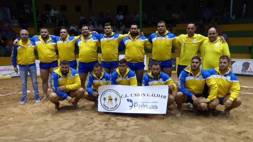 El equipo de lucha canaria Unión Galdar/CC y de Ocio 7 Palmas.