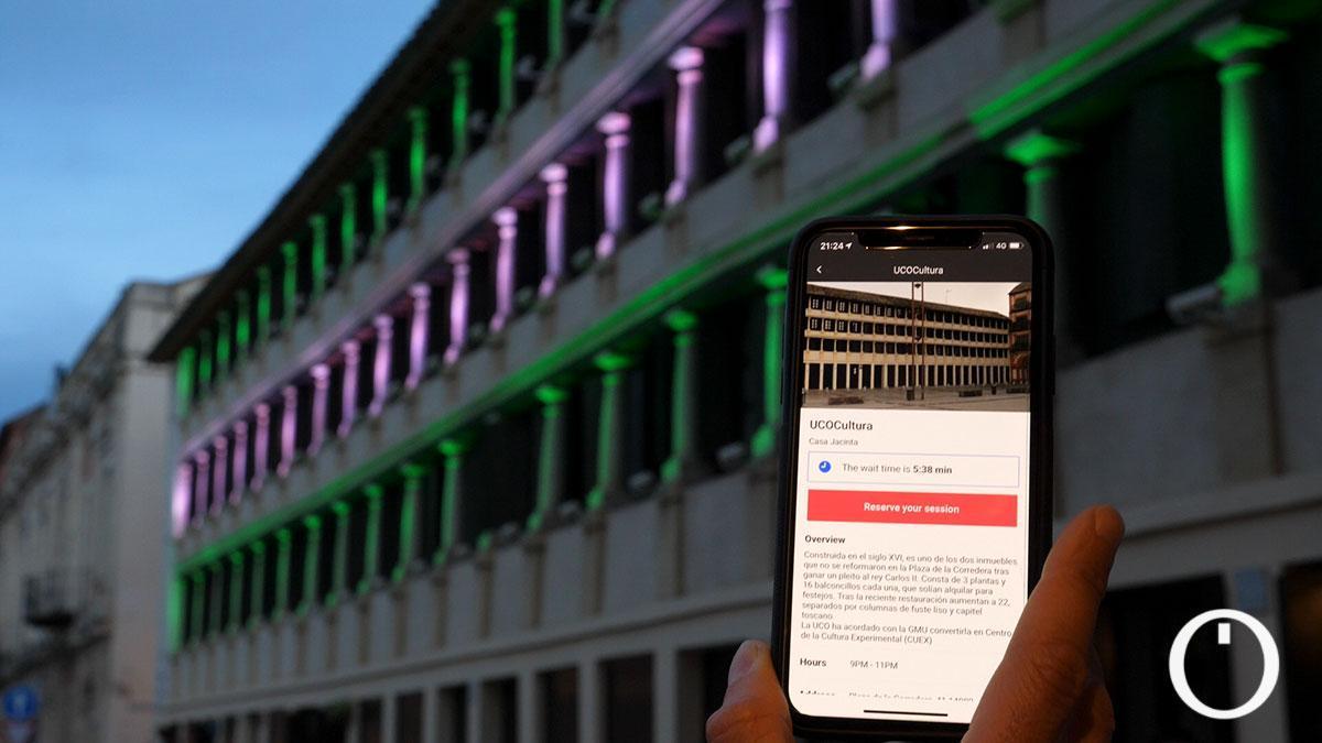 Espectáculo de iluminación y sonido en el edificio de Ucocultura
