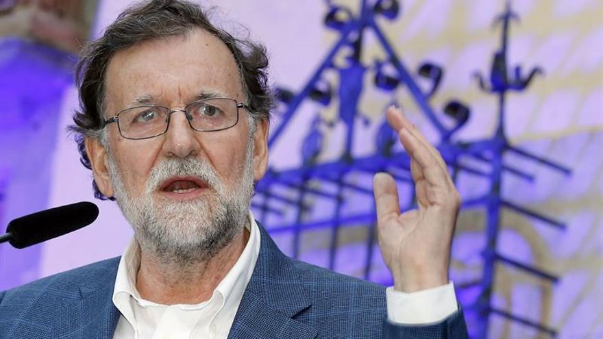 El expresidente del Gobierno Mariano Rajoy participó este martes en un acto de campaña con la candidata del PP a alcaldesa de Las Palmas de Gran Canaria, Pepa Luzardo.