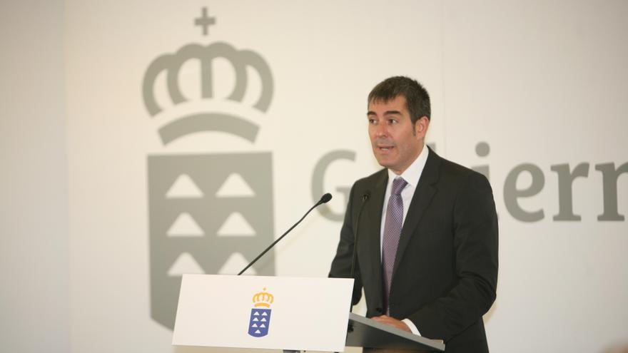 Fernando Clavijo en su toma de posesión como presidente de Gobierno de Canarias (ALEJANDRO RAMOS)