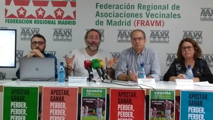 Rueda de prensa de la Federación Regional de Asociaciones Vecinales de Madrid para denunciar a las casas de apuestas