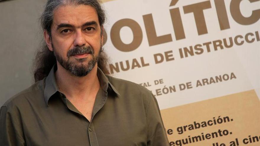 """León de Aranoa: """"Es una curiosidad histórica"""" lo que mueve el filme sobre Podemos"""