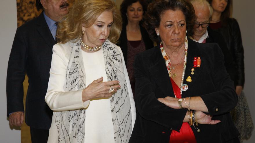La delegada de Cultura, Mayrén Beneyto, junto a la alcaldesa, Rita Barberá.