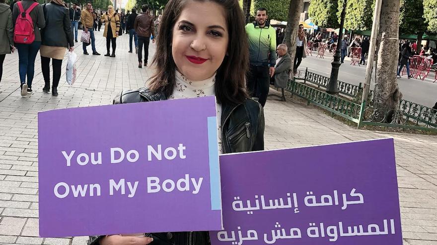 La activista tunecina Lina Ben Mhenni en una fotografía de su perfil de Facebook.