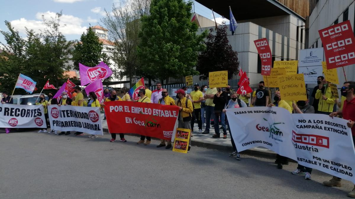 Trabajadores interinos de GEACAM, hoy en Cuenca