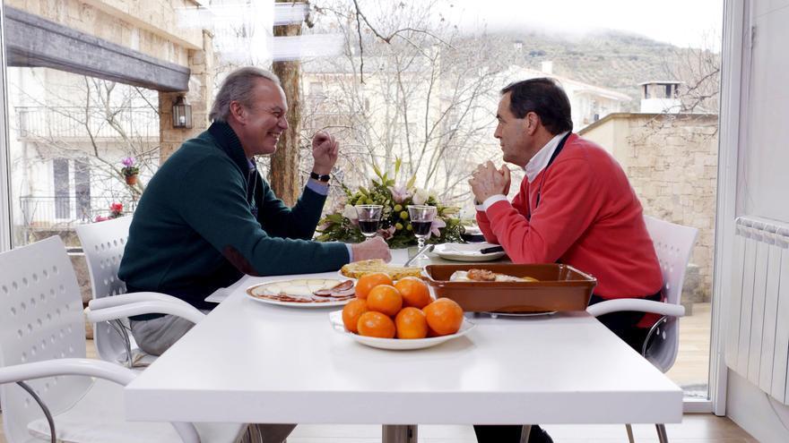 Bertin con José Bono en Mi casa es la tuya de Telecinco