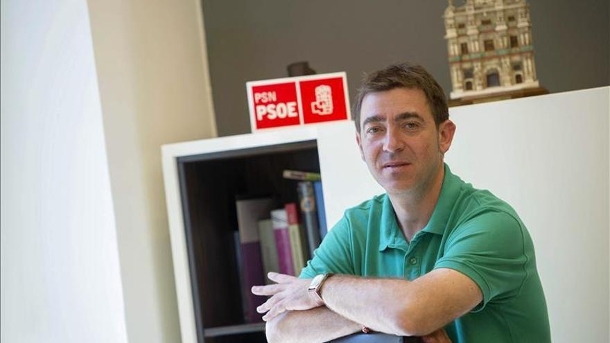 El PSOE propone simplificar el voto emigrante y que participen en las municipales