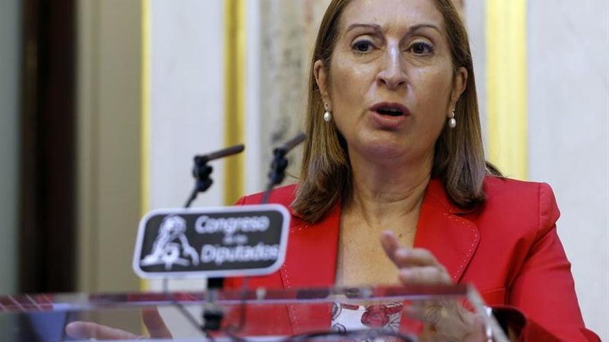 """Pastor pide a PSOE y Ciudadanos que """"flexibilicen"""" sus posturas"""