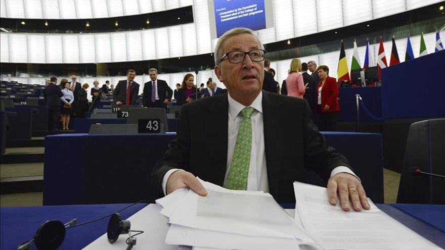 """Juncker dice que le gustaría que Europa tuviera """"la triple A social"""""""