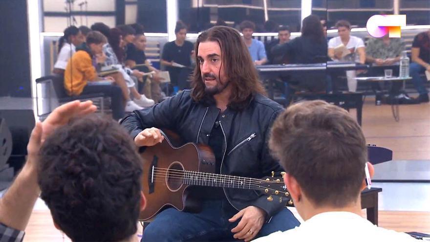 Andrés Suárez visita y emociona 'OT 2020' en la primera clase de composición