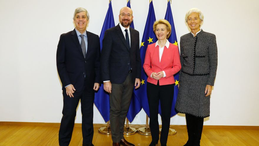 From left to right: Mr Mario CENTENO, President of the Eurogroup; Mr Charles MICHEL, President of the European Council; Ms Ursula VON DER LEYEN, President of the European Commission; Ms Christine LAGARDE, President of the European Central Bank.