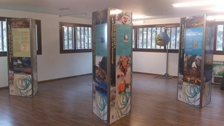 Exposición sobre la Reserva de la Biosfera en Hermigua