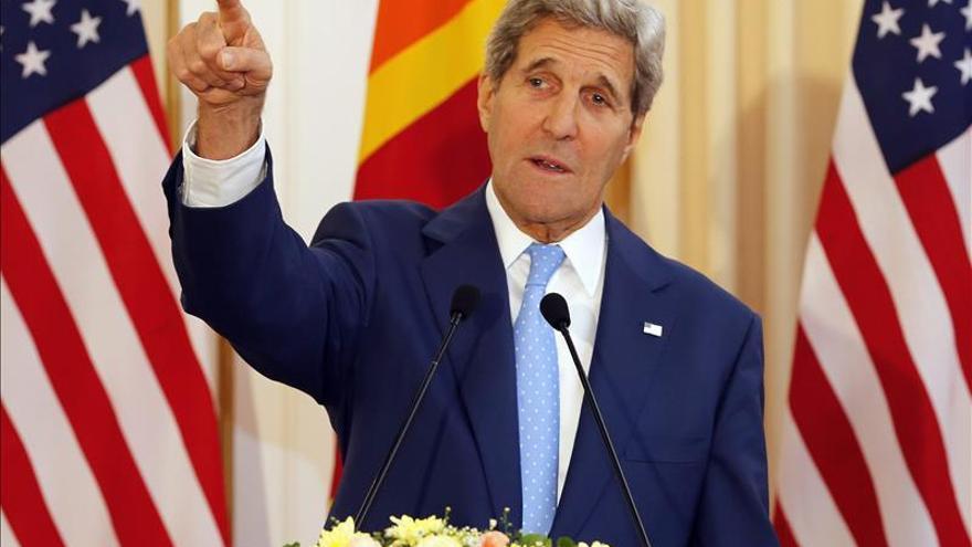 """Kerry califica las críticas israelíes al acuerdo con Irán de """"histeria"""""""