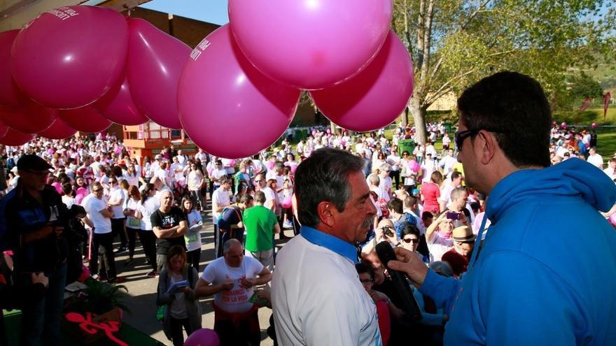 Más de 8.000 personas partipan en la marcha 'Luchamos por la Vida'