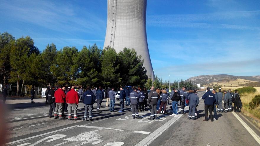 Concentración de trabajadores de Elcogas en el año 2015