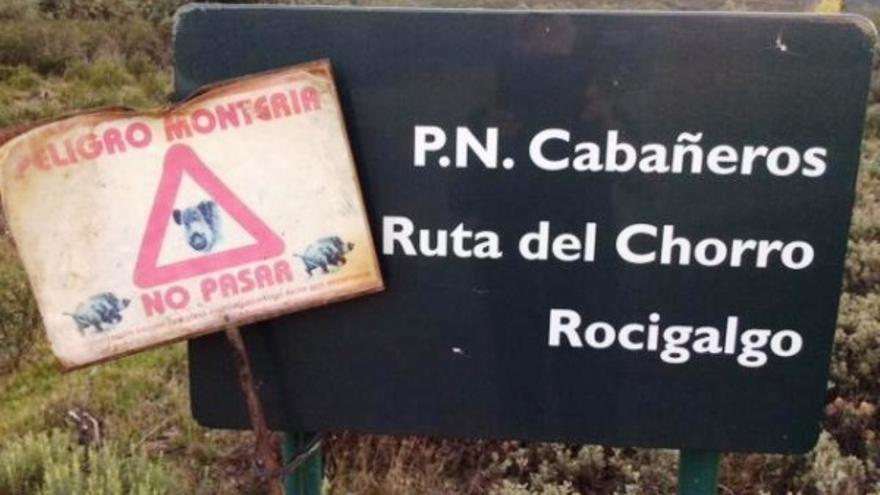 Cartel Ecologistas en Acción contra la caza en Cabañeros / Imagen: Ecologistas en Acción