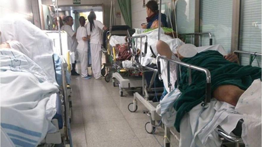 Imagen de los pasillos de Urgencias en el HUC.