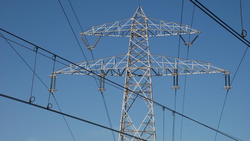 El TS descarta la suspensión cautelar de la línea de muy alta tensión de Santa Coloma de Gramenet