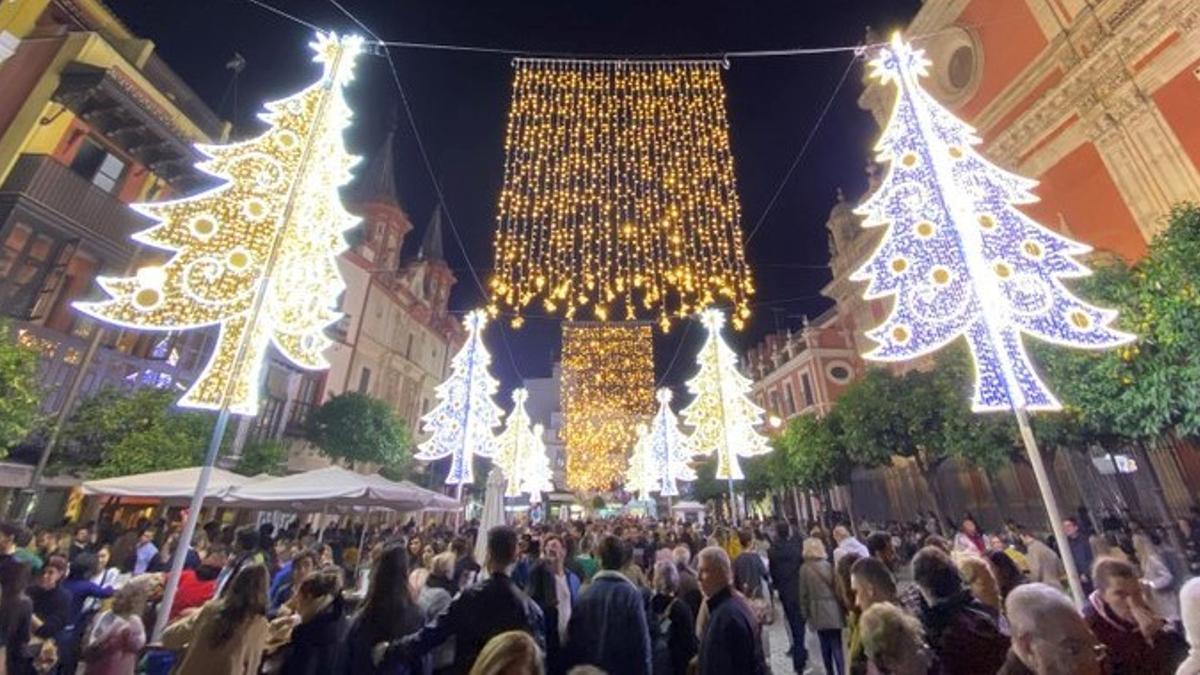 Iluminación navideña en las calles de Sevilla.
