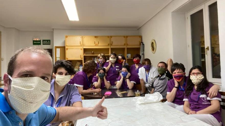 Trabajadores de la residencia San Jerónimo de Estella que se han confinado en el centro voluntariamente