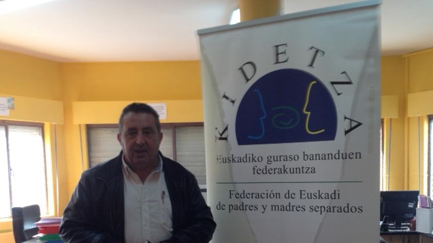 El presidente de Kidetza, Justo Sáenz,apremia al Parlamento para que apruebe la Ley de Custodia Compartida.
