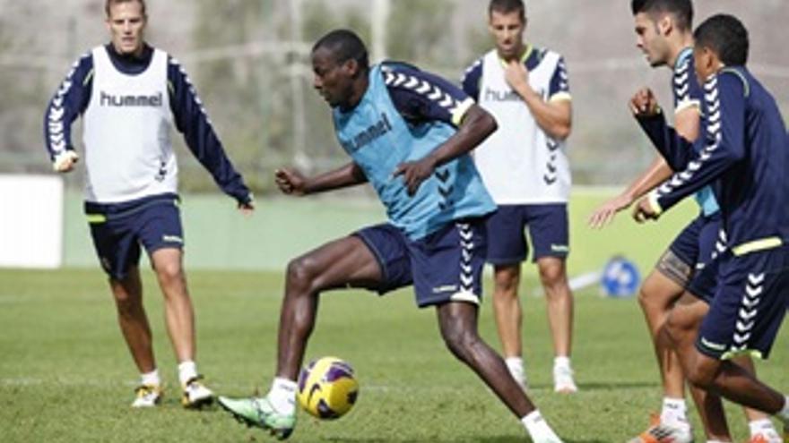 Atouba, durante un en entrenamiento.