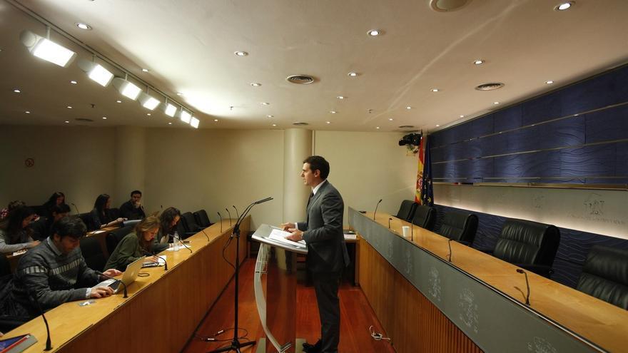 """Rivera emplaza al PSOE a """"influir"""" en los Presupuestos antes de avanzar su rechazo sin ni siquiera conocerlos"""