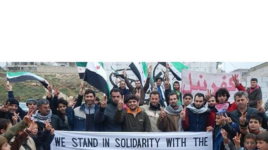 Desde Kafranbel, Siria, en solidaridad con la víctimas de los asesinatos racistas en EEUU. Fuente: Página de Kafranbel en Facebook