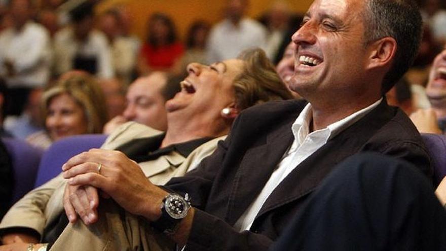 La exalcaldesa de Valencia, Rita Barberá, y el expresidente de la Generalitat Valenciana, Francisco Camps