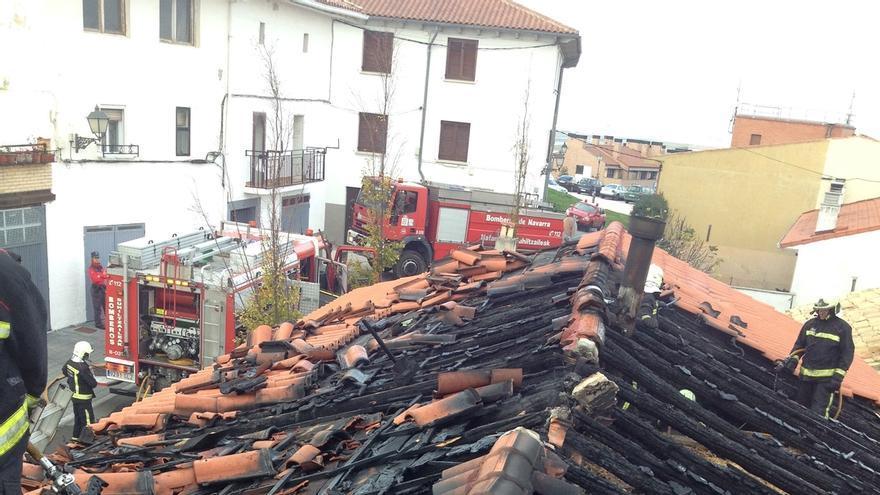 Dos incendios han causado daños de consideración en viviendas en Noáin y Elizondo