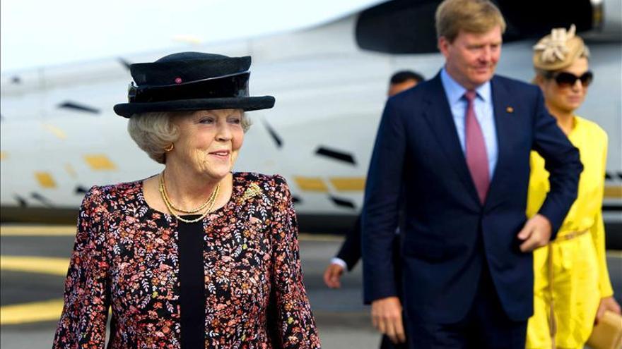 La reina Beatriz de Holanda podría anunciar hoy su abdicación, según los medios