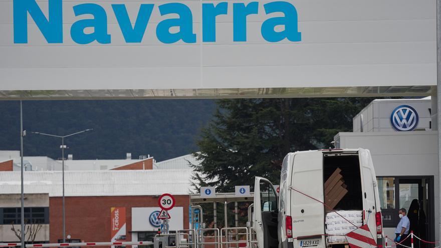 Vista de la puerta principal de la fábrica de Volkswagen Navara.