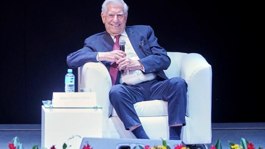 Vargas Llosa: La buena literatura nos defiende de nacionalismo y demagogia