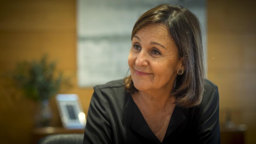 La presidenta del Parlamento de Cantabria, Dolores Gorostiaga. | ROMÁN GARCÍA