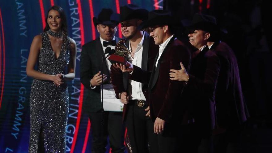 En la imagen la banda mexicana Calibre 50.