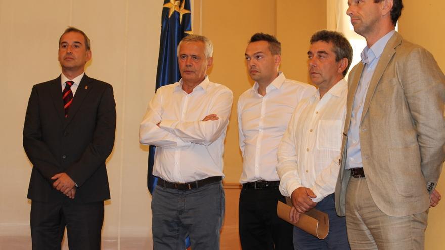 Piero Pini, segundo por la izquierda, en la presentación del proyecto en Zaragoza