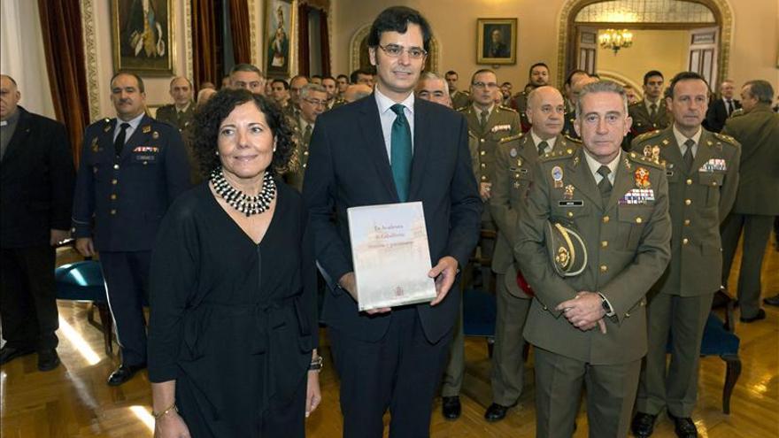 De Alcalá a Valladolid, un libro glosa 162 años de la Academia de Caballería