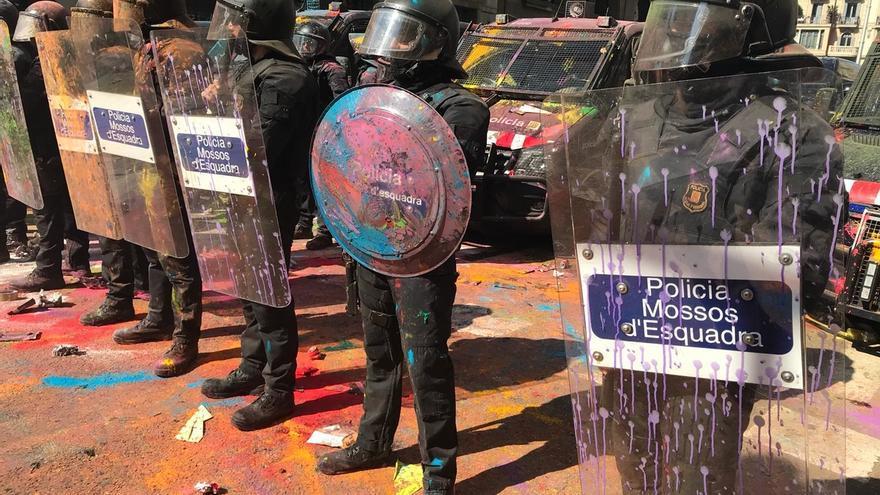 Dos detenidos durante el boicot de los independentistas a la manifestación de los policías en Barcelona
